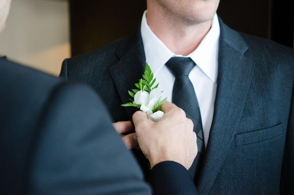 Meilleurs costumes de mariage pour hommes 2021