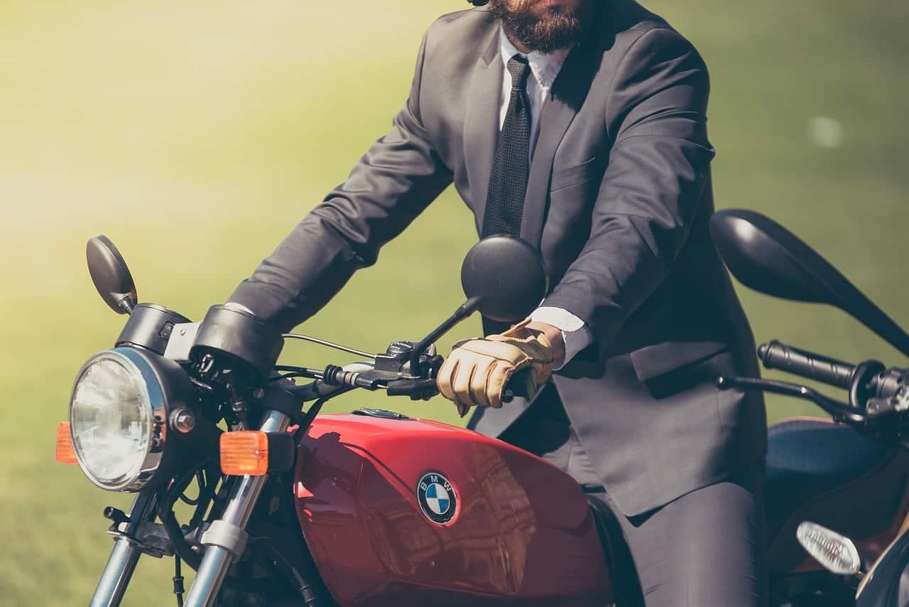 Les 8 meilleures offres de costume homme 2021