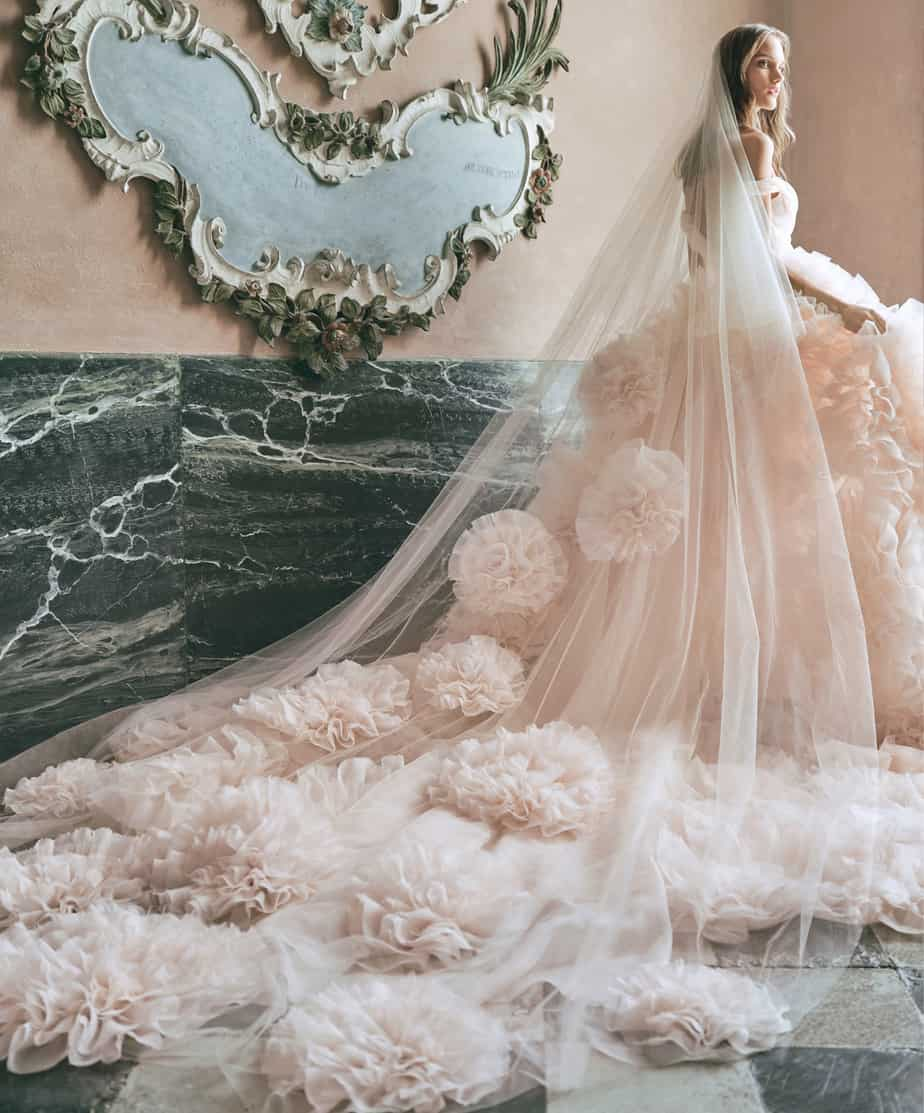 Robes de mariée 2021: Tendances des couleurs